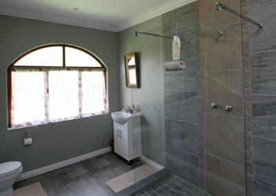 Bathroom in Room 3 in The Homestead at Tenikwa Nature Lodge